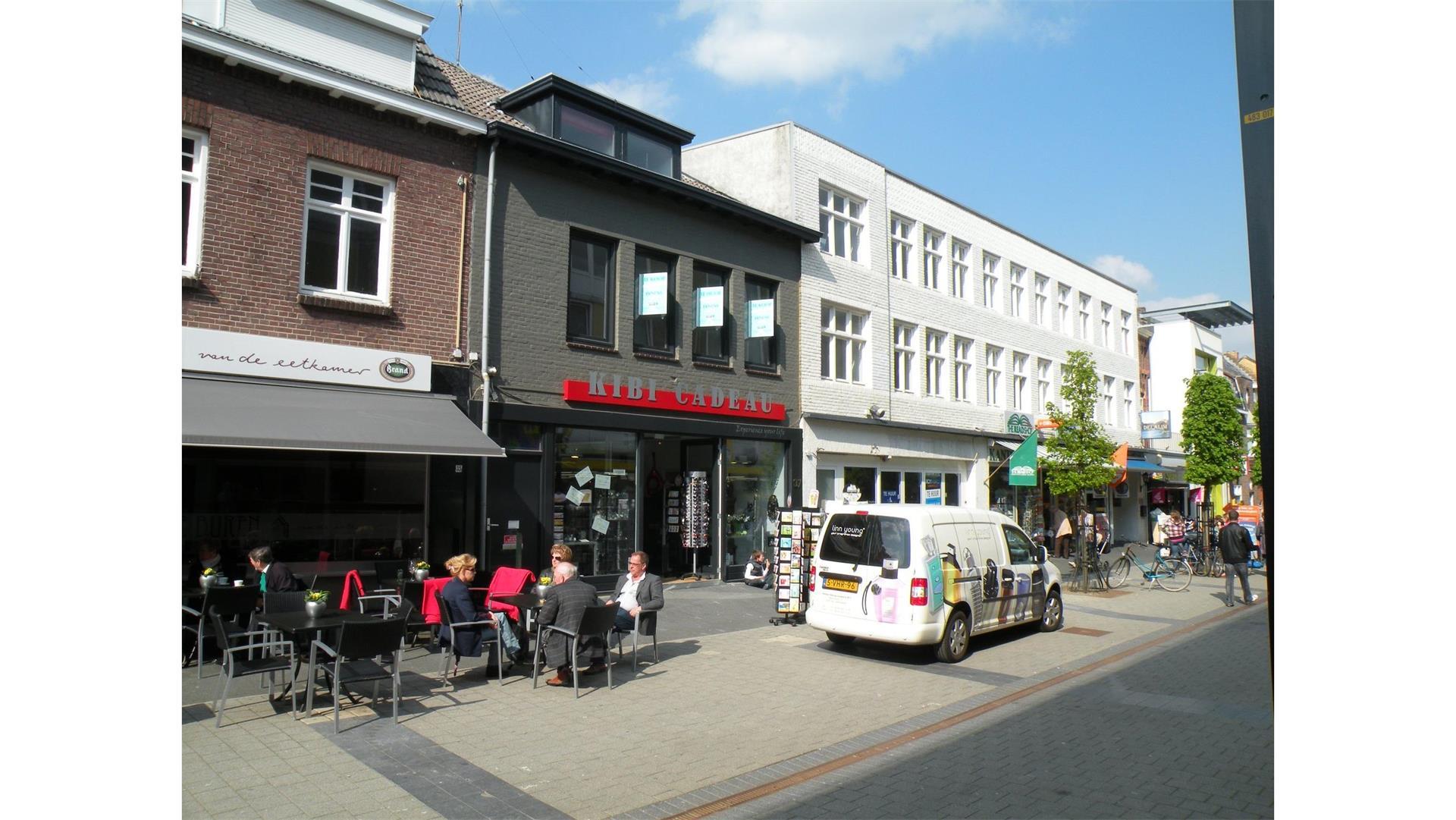 Kouvenderstraat 37, Hoensbroek, Winkel te Huur